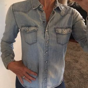 Cute Chambray shirt!!